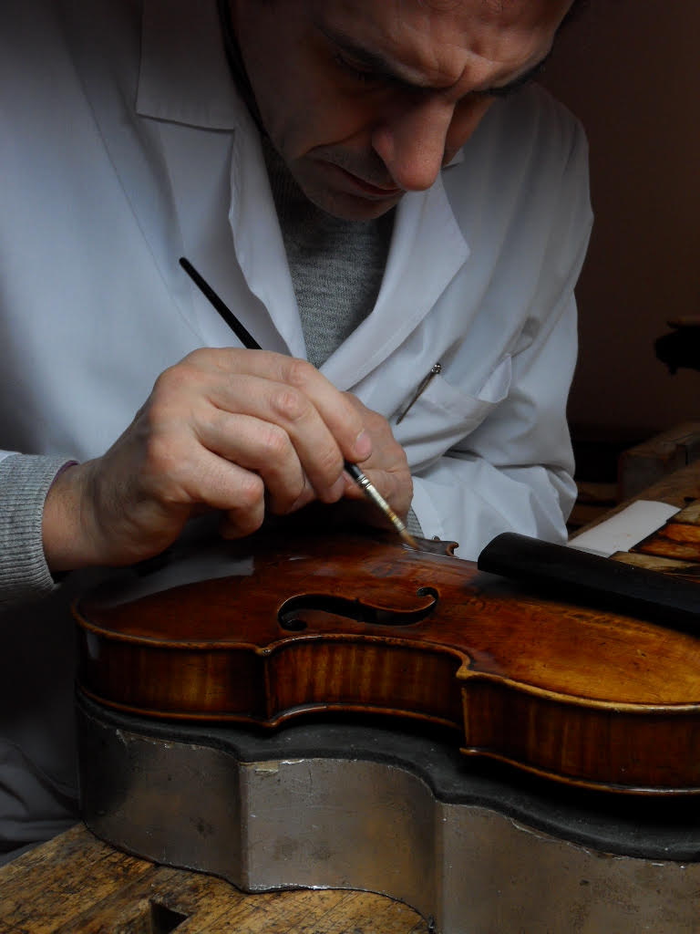 giovanni lazzaro - expert luthier since 1983